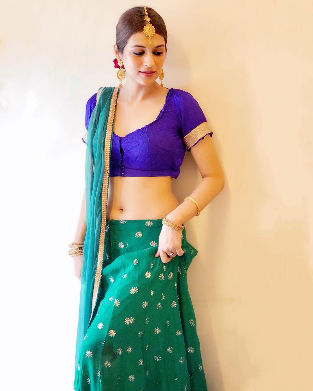 shraddha das hd wallpapers saree