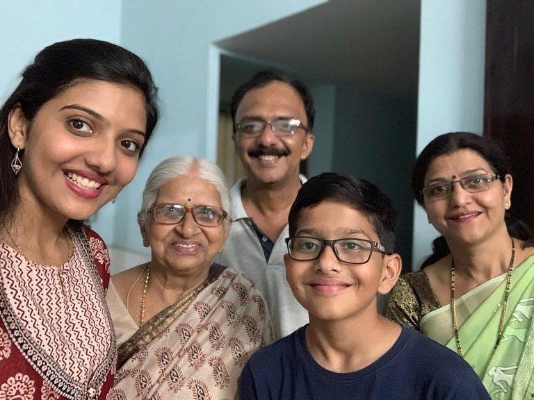 srushti deshmukh family