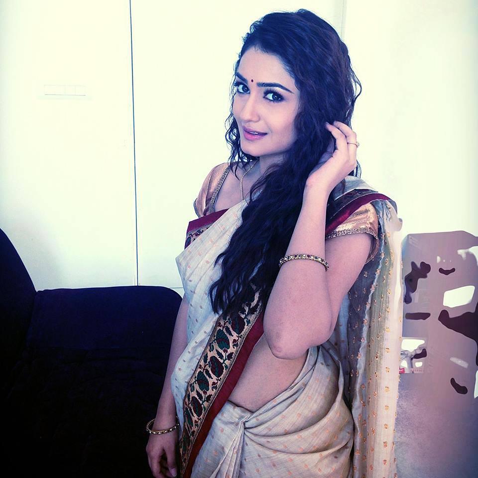 tridha choudhury in saree