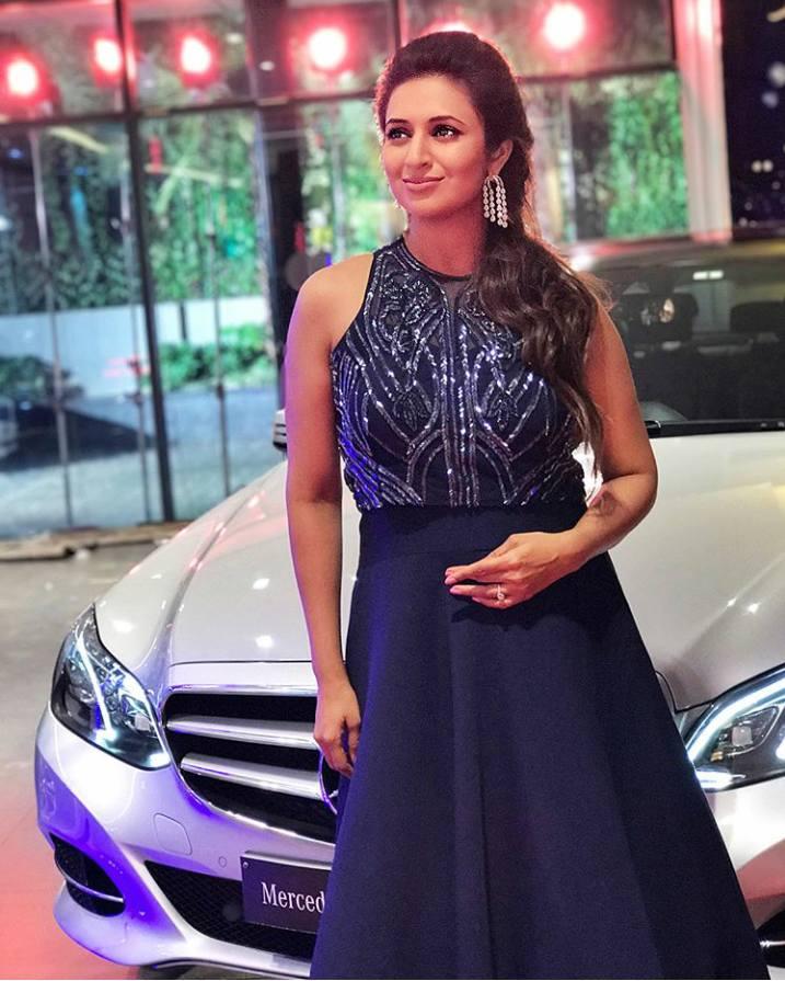 divyanka tripathi with her mercedes benz car